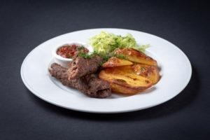 Бараний кебаб с запеченным картофелем
